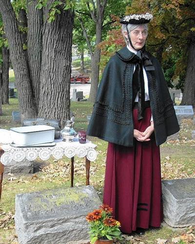 Elgin Cemetery Walk