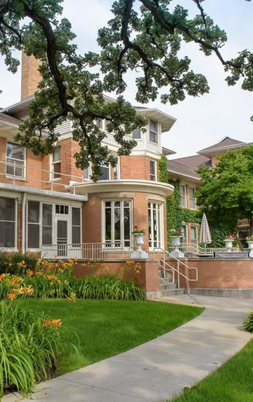 Oak Crest Residence